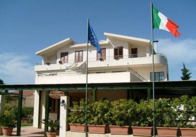 Hotel Affittacamere Villa Fiori Beach
